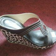 Sepatu Wedges (Vivanshoes)