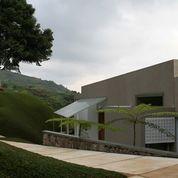 Dago Village & Resort (villa with Private pool inside outside) Dago - Bandung
