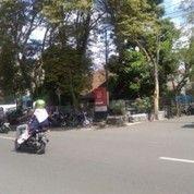 Jual Bangunan di Lahan 315m2 Strategis di Mainroad Jl Ibu Inggit Garnasih Ciateul Bandung Tengah