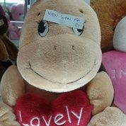 Boneka Kura kura dengan hati / love bando pita st / Turtle lovely heart st doll grade Super Ori SNI NEW murmer empuk lucu