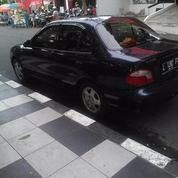 Mobil Hyundai Accent 2000