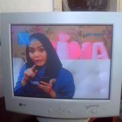 "Monitor CRT (tabung) LG Studioworks 700S 17"" Semi Flat, Kota Bandung"