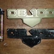 Sepasang Emblem Second Tutup Aki Honda Cb 100 Original