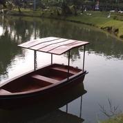 Perahu mini boat / perahu danau