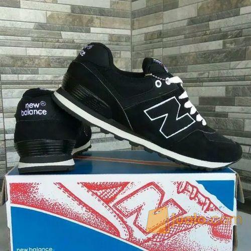 meilleur service fe3cf 85953 Sepatu NB New Balance 574 Black