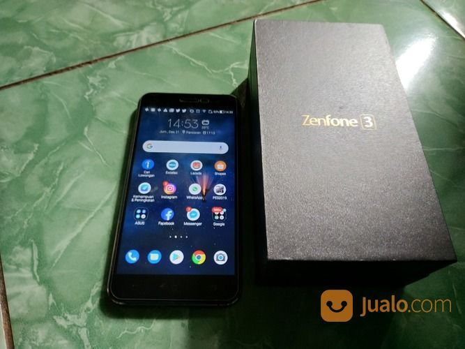 Zenfone 3 ze520kl handphone asus 18342459