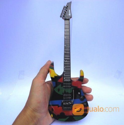 Miniatur gitar ibanez koleksi lainnya 18898667