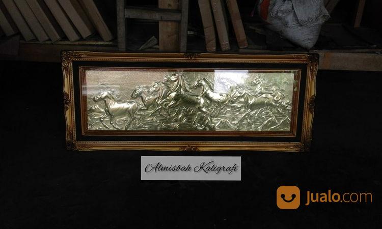 Lukisan Kuda Liar Kuningan Asli 140x60cm Natural Timbul Mewah