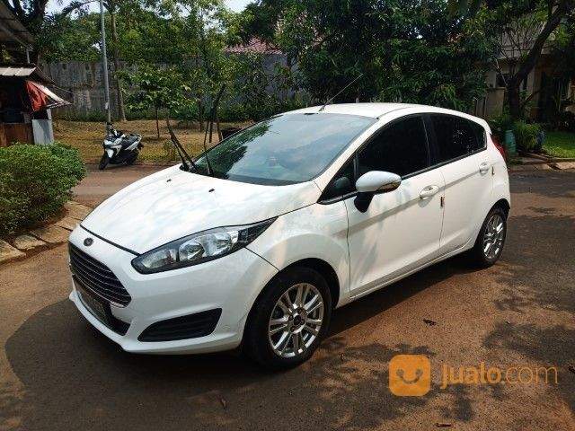 Ford fiesta 1 5at tre mobil ford 20155307