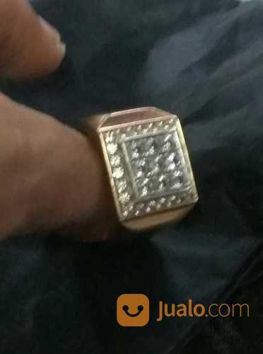 Menerima berlian tanp perhiasan 20540647