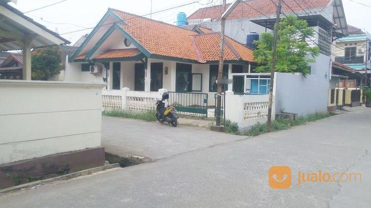 Rumah hoek di komplek rumah dijual 20910423