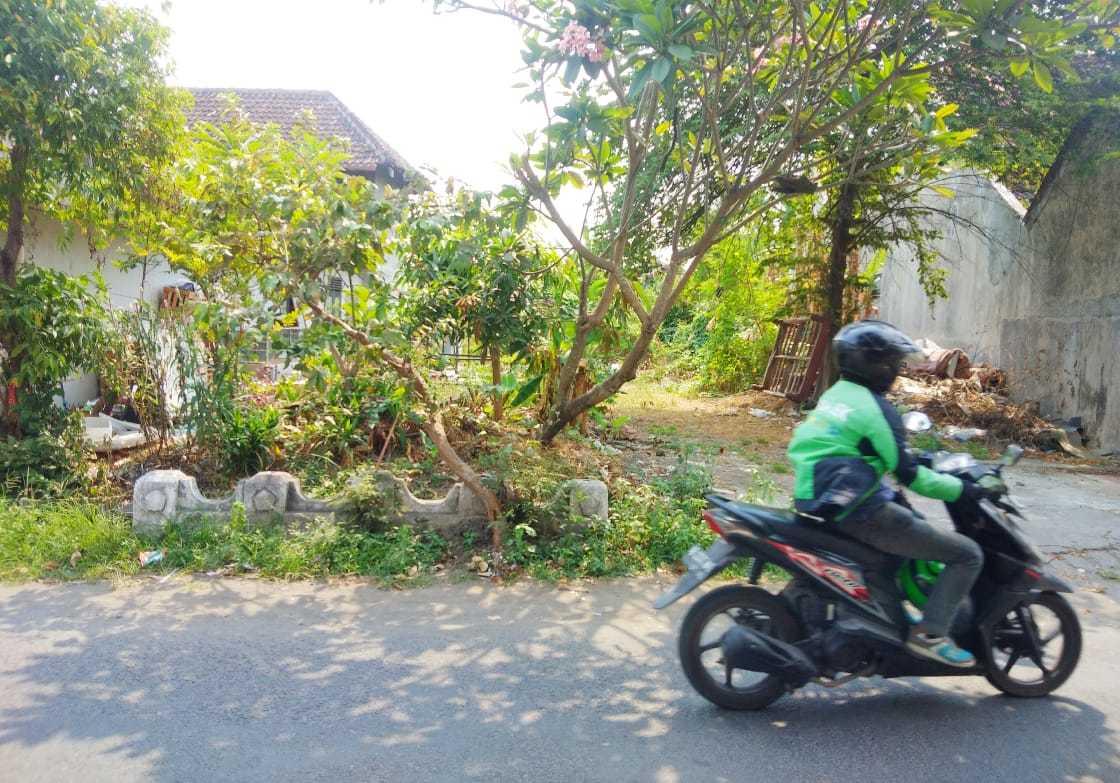 Tanah Tepi Jalan Ramai Dekat Xt Square Umbul Harjo Kota