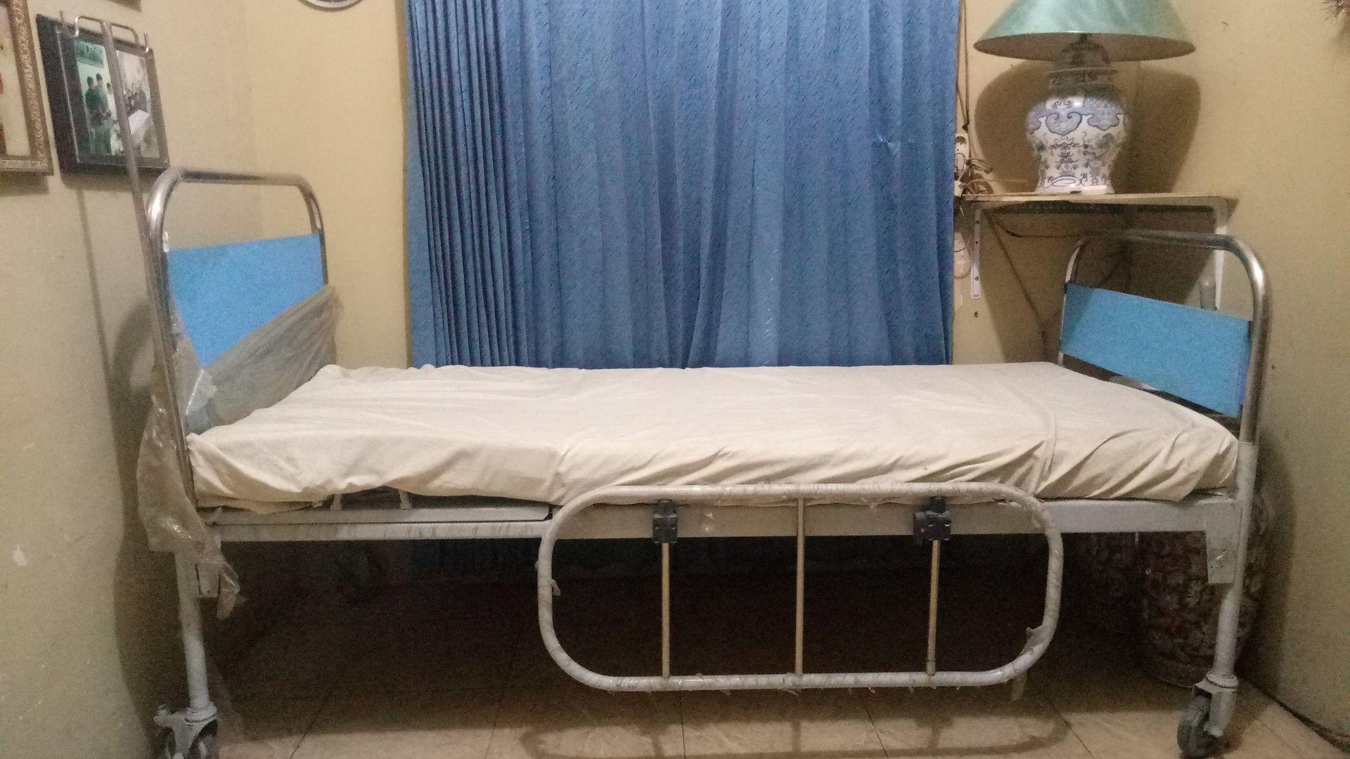 Tempat Tidur Pasien Manual
