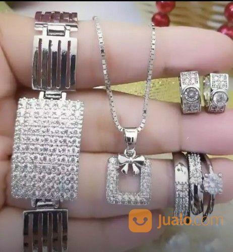 Beli periasan tidak a perhiasan 21932159