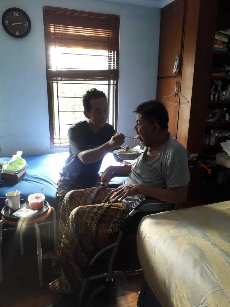 Agency Baby Sitter Perawat Lansia Art Pria Wanita