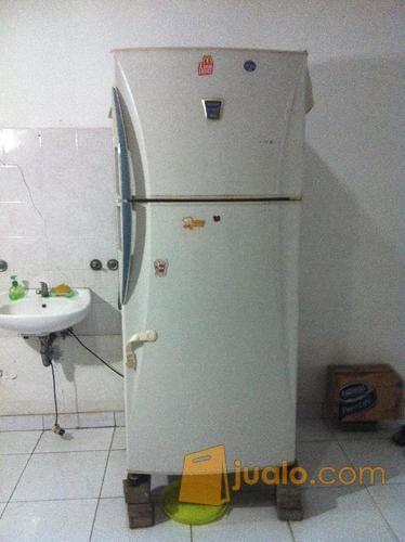 Kulkas sharp superior elektronik kulkas freezer 8818295