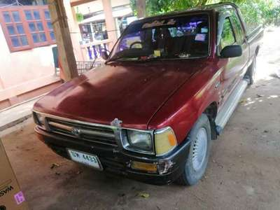 TOYOTA HILUX MIGHTY-X 2.5 DOUBLE CAB 1982