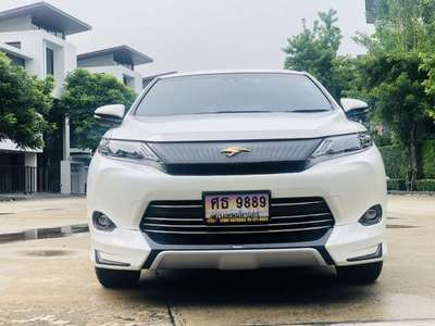 TOYOTA HARRIER 2.5 HYBRID 2015