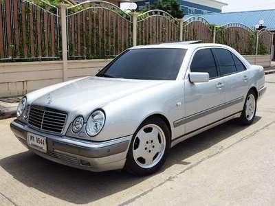 BENZ 230 E 1997