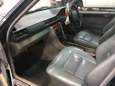 BENZ 300 E 1992