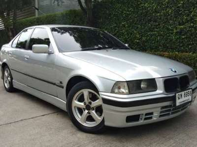 BMW SERIES 3 318 IA (4DR) 1992