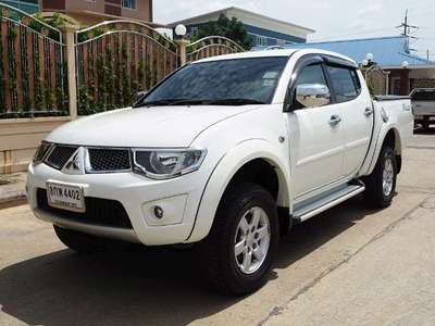 MITSUBISHI TRITON 2.5 PLUS DOUBLE CAB 2013