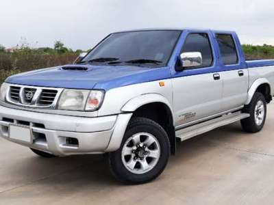NISSAN FRONTIER 2.5 4DR 4WD 2001