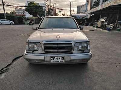 BENZ 220 E 1995