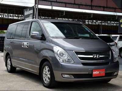 HYUNDAI H-1 2.5 2010