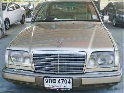 BENZ 220 E 1994