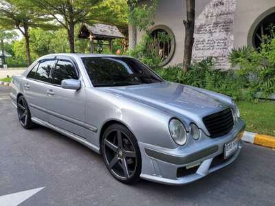 BENZ 200 E 2002
