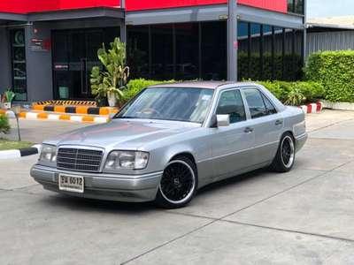 BENZ E-CLASS E200 1995