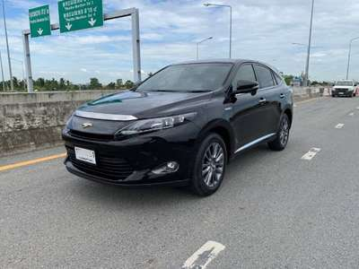 TOYOTA HARRIER 2.5 HYBRID 2016