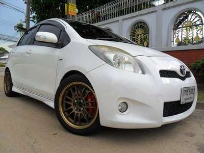 TOYOTA YARIS 1.5 S LIMITED 2013