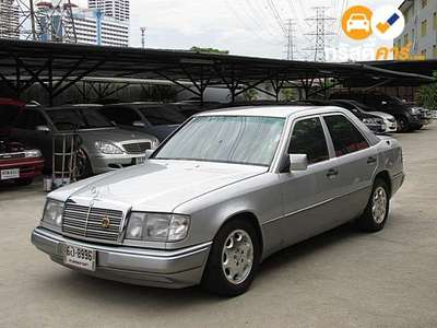 BENZ 230 4DR SEDAN 2.3I 4AT 1993