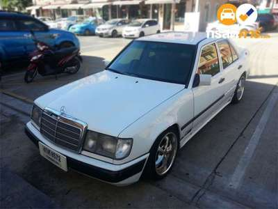 BENZ 230 4DR SEDAN 2.3I 5MT 1989