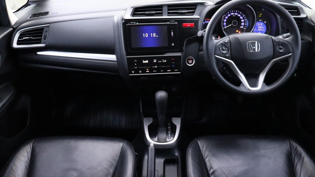 HONDA JAZZ 1.5 i-VTEC SV 2014 เทา