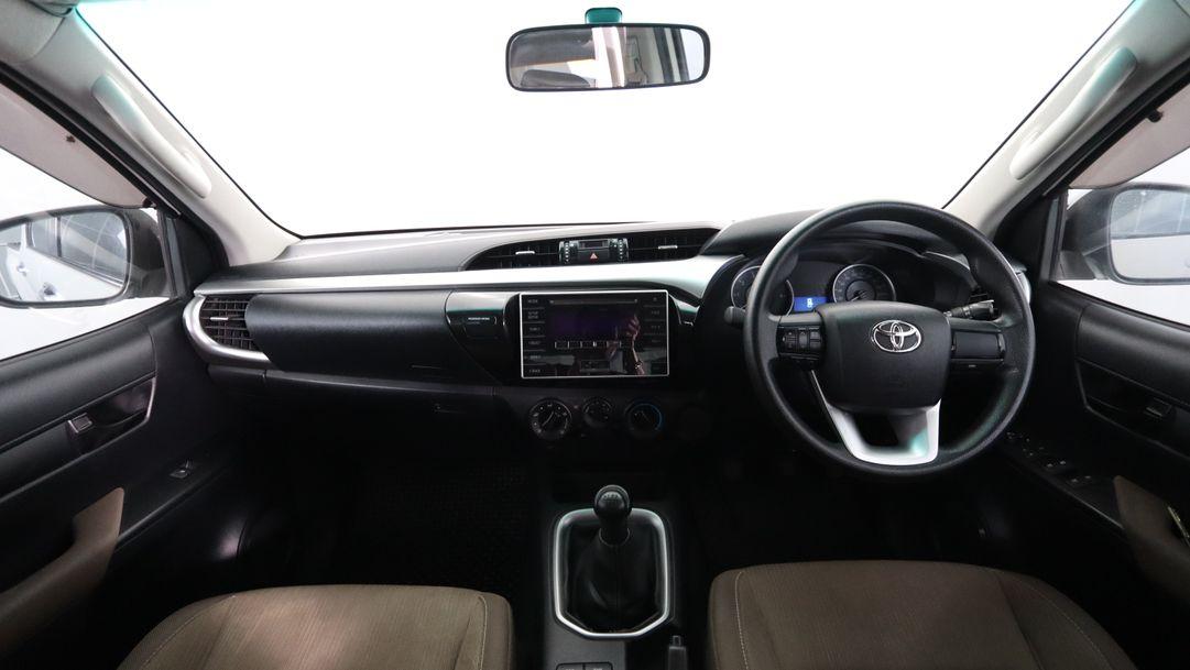 TOYOTA HILUX REVO 2.4 E DOUBLE CAB PRERUNNER 2015 ขาว