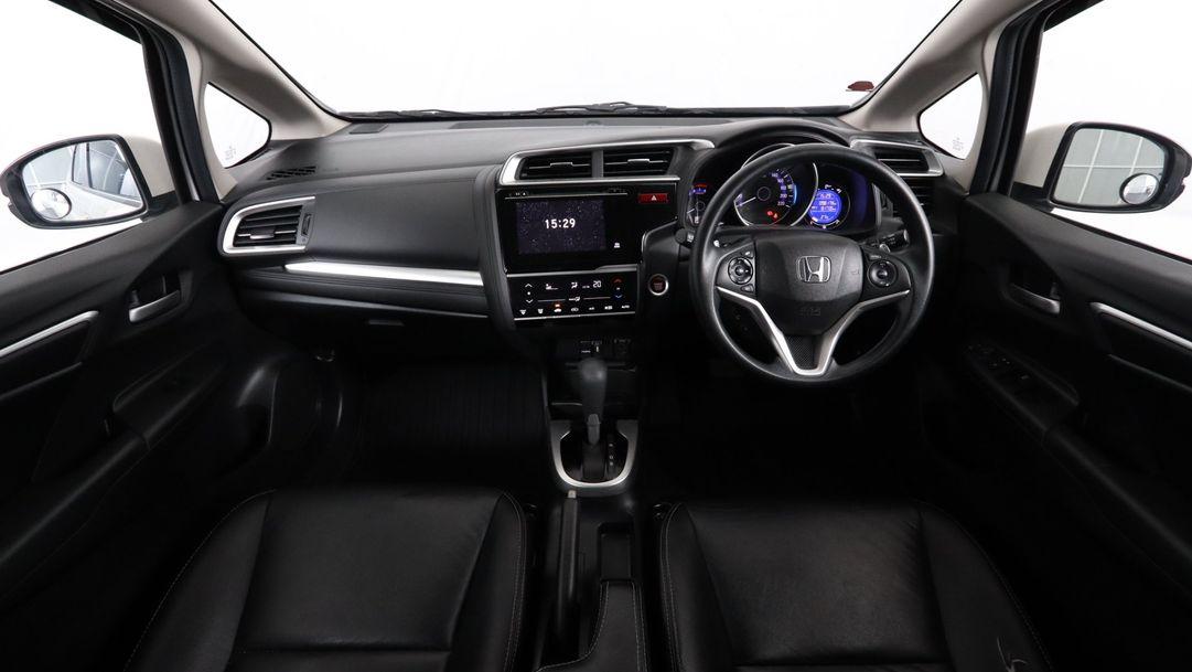 HONDA JAZZ 1.5 i-VTEC SV 2015 ขาว